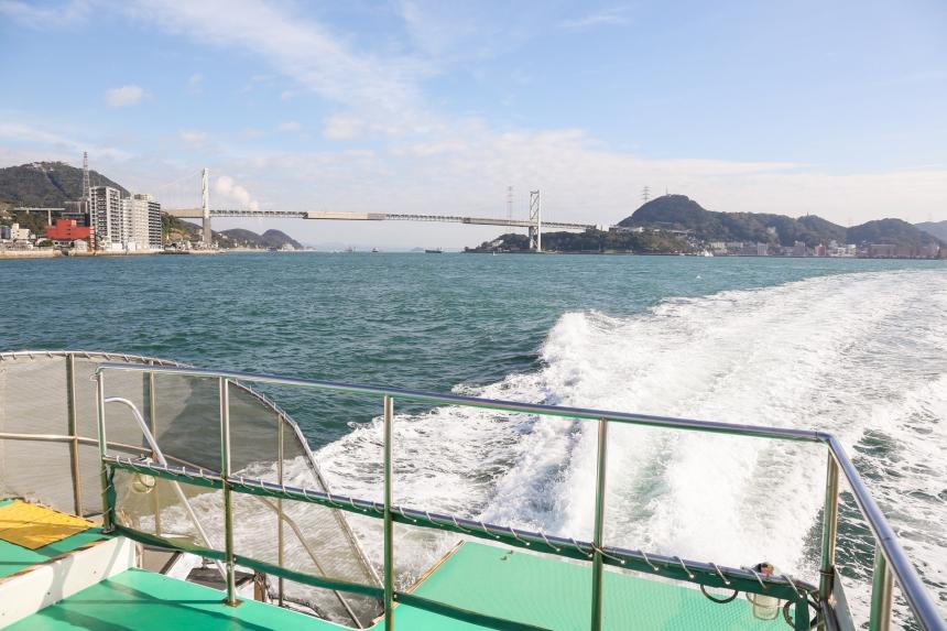沿途可以欣賞唐戶棧橋的景色